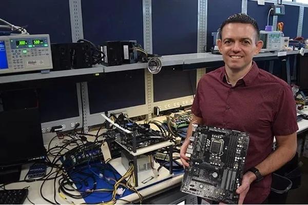 Intel展示12VO电源标准:10PIN设计 待机功耗降低27%