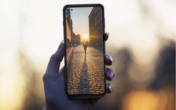 摩托罗拉发布面向中端市场的首款5G手机Moto G 5G Plus