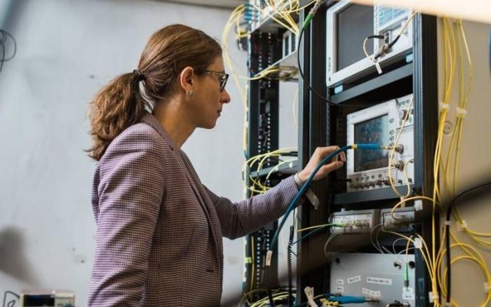 科学家创造网速新巅峰:每秒178 Tb